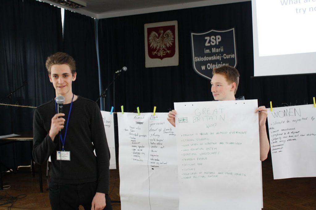 lenkija-foto-darbas-grupese